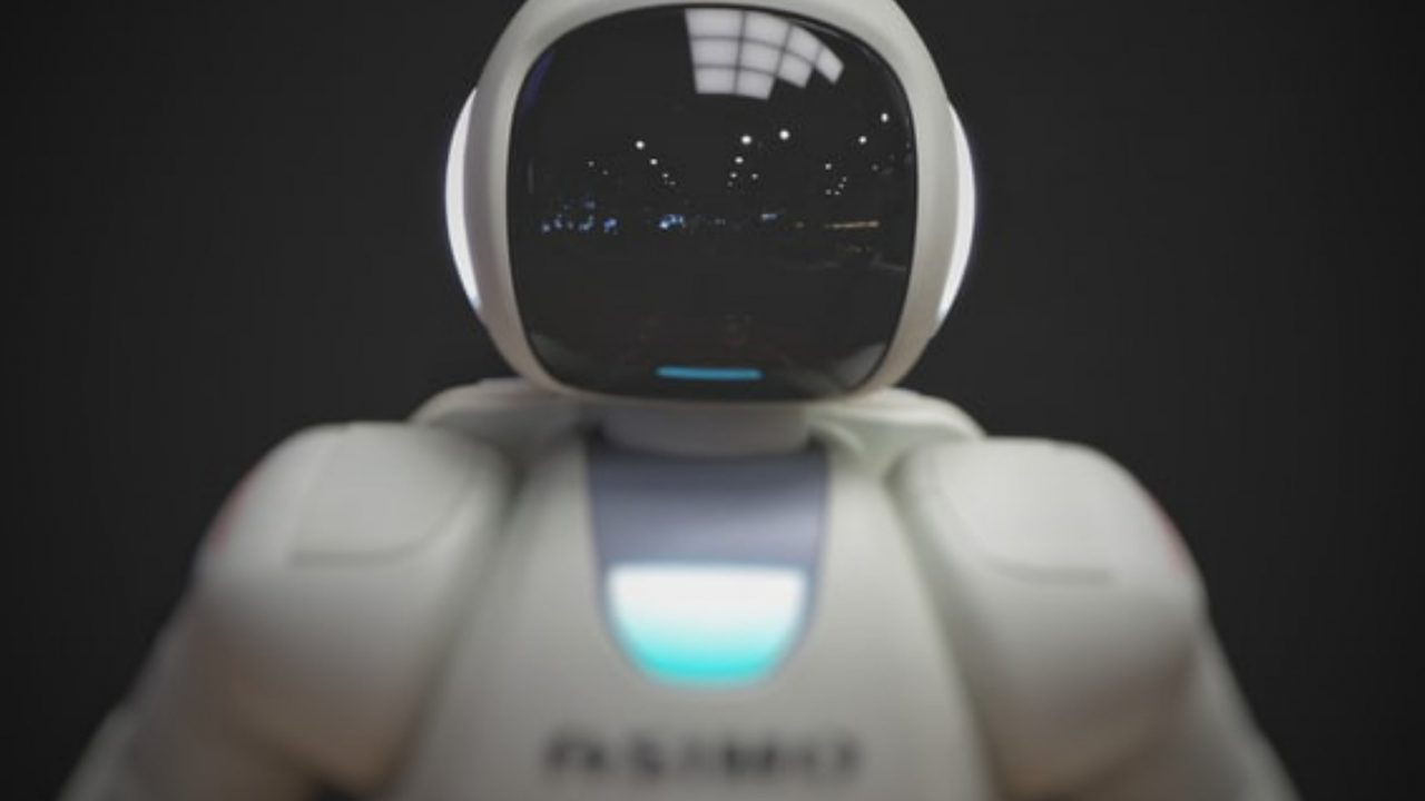 https://japaneserealestate.co.jp/wp-content/uploads/2019/10/Robot-Assistant-Hotel-Japan-Tokyo-1280x720.jpg